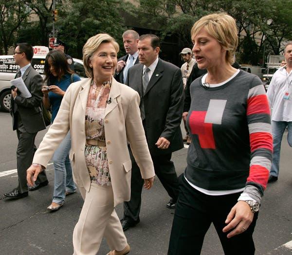 Ellen va directo al grano, Hillary no tanto