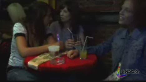 "Chica busca Chica resumen de episódio 1×04 ""¿Nos vamos al baño?"""