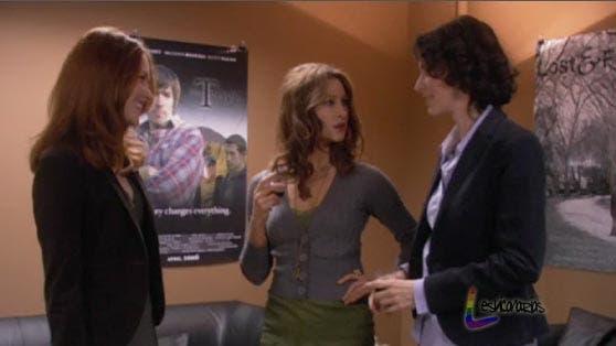 Jen y Sam hablando con Sienna