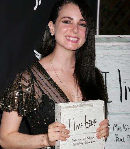 Mia Kirshner presenta su libro «I Live Here»