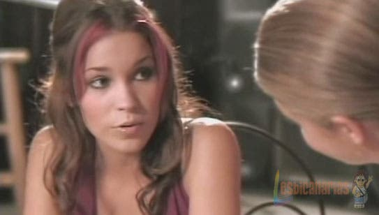 Ashley y Spencer hablando