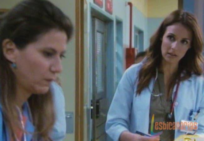 """Maca y Esther Mini Resumen de Episodio 17×10 """"Manos Arriba"""""""