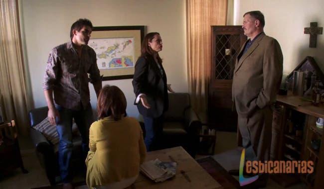 Gina y el Coronel discutiendo Venice la Serie