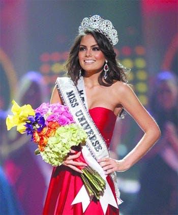 Jimena Navarrete es la nueva miss universo