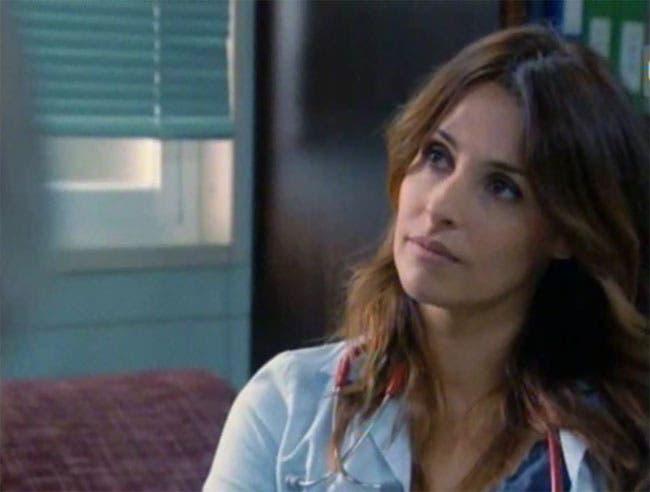 """Maca y Esther resumen de episodio 19×05 """"Doce horas desesperadas"""""""
