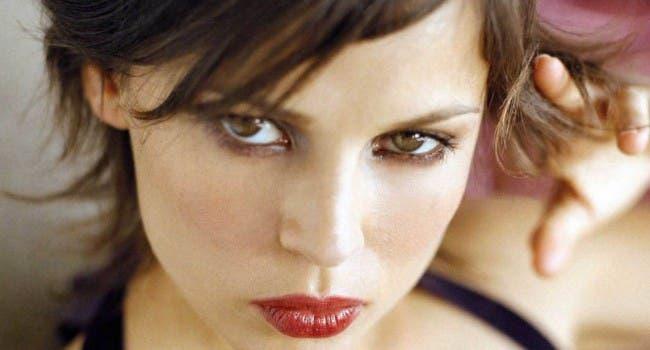 Elena Anaya pillada besando a una chica…otra vez