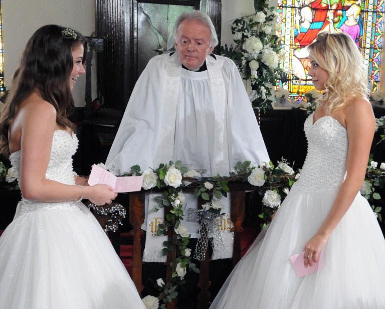 Coronation Street habrá boda lésbica…Spoilers