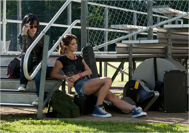 Olivia Wilde y Ashley Greene se enrollan en Butter