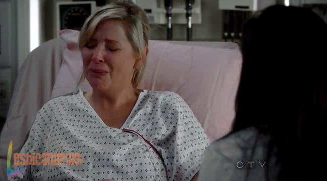 Arizona llorando junto a Callie