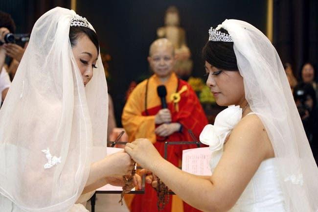 Mujeres Heteros apoyen el matrimonio gay o nos casaremos con sus novios
