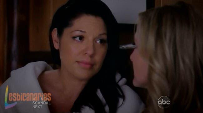 Callie haciendo sentir segura a Arizona