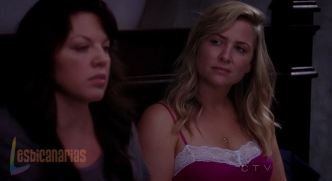 Callie y Arizona en la cama