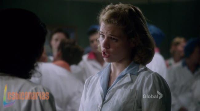 Betty amenazando a Reggie