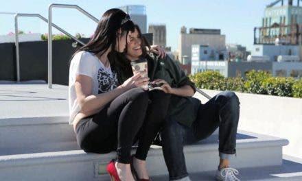 «Kiss Her I'm Famous» la nueva serie lésbica de Tracy Ryerson