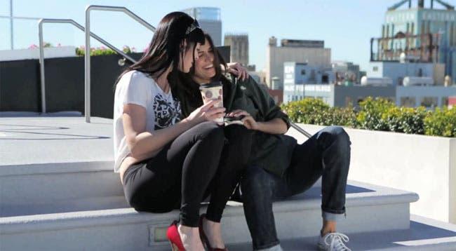 """""""Kiss Her I'm Famous"""" la nueva serie lésbica de Tracy Ryerson"""