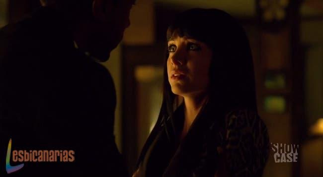Hale confiesa su amor a Kenzi