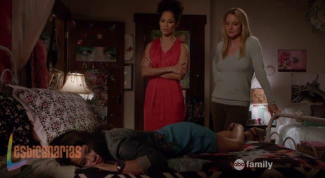 Lena y Stef regañando a Mariana