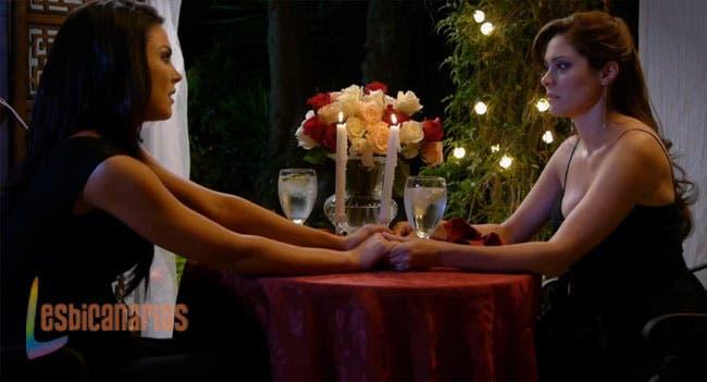 Lara proponiendo matrimonio a Ani