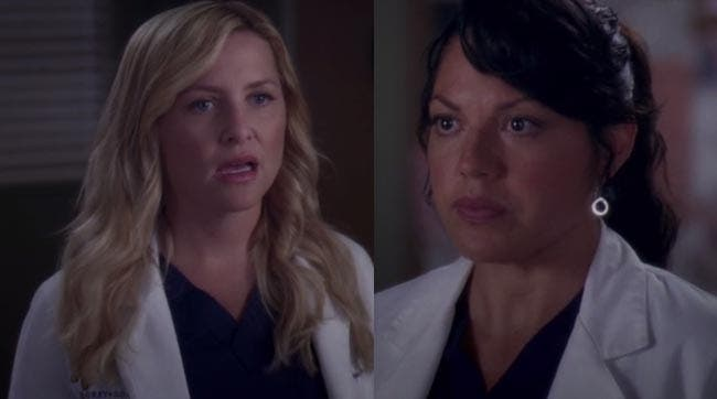 Callie expicándole a Arizona su plan