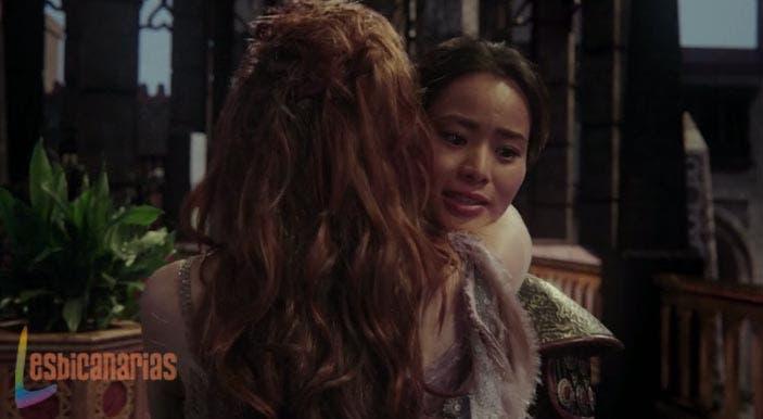 Mulan y Aurora ¿nueva pareja lésbica en OUAT? Sleeping Warrior