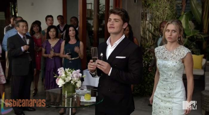 Amy y Liam en la fiesta