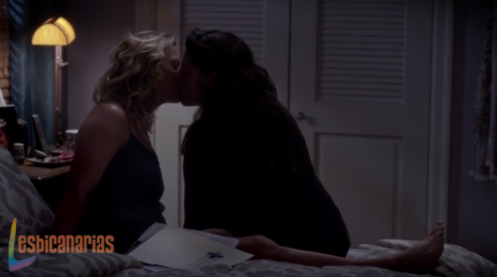 Callie y Arizona beso