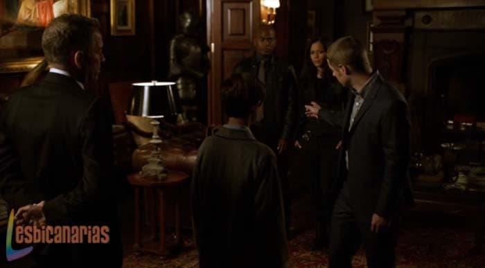 Jim le presenta a Renee a Bruce