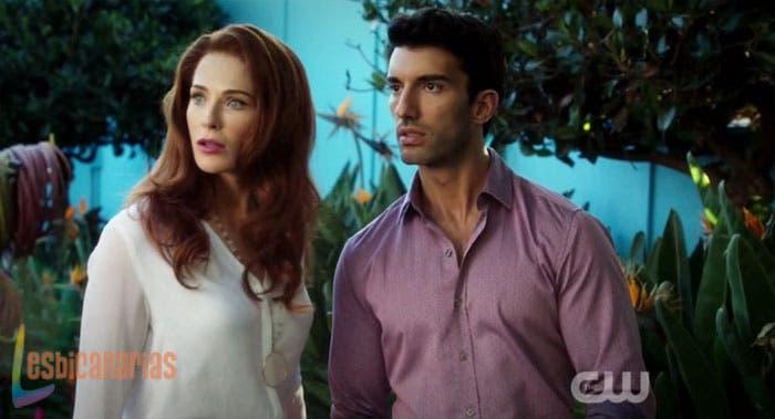 Rose y Rafael en Jane The Virgin