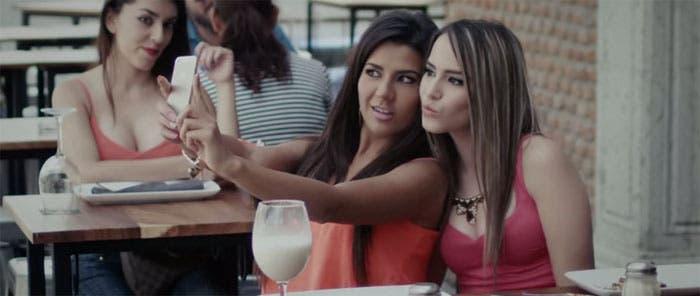 """Música con toque lésbico: """"Somos Ajenos"""" por El Recodo"""