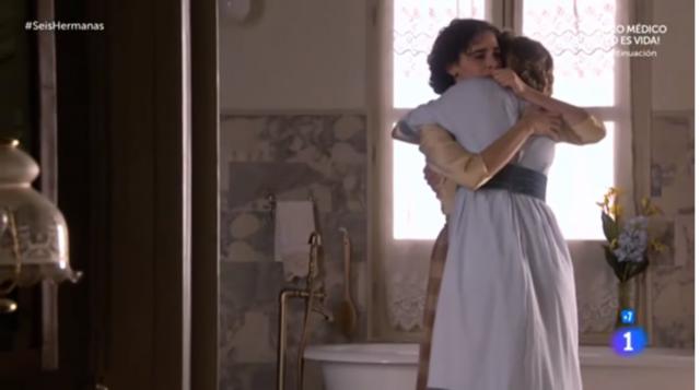 celia y diana abrazo
