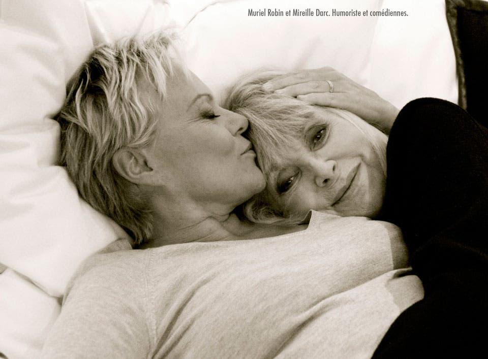 Fotografía-pareja-lésbica-Muriell-Robin-y-Mirellle-Darc
