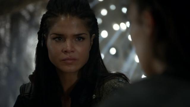 """""""Tranqui, commander, que a Clarke sólo le harían daño por encima de mi cadáver"""""""