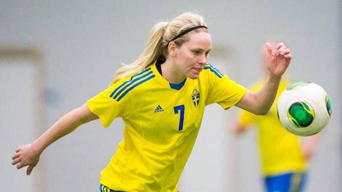 Lisa Dahlkvist (Suecia): Desde 2008 representa a su país. Vive abiertamente su lesbianismo.