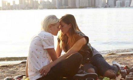 Below Her Mouth nuestra reseña de la película lésbica
