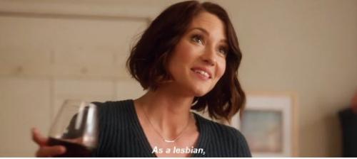 Supergirl: Alex intenta salir del armario ante su madre en este adelanto
