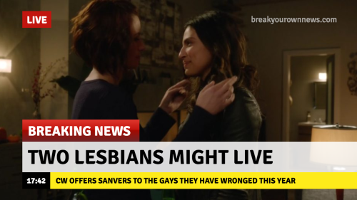 Última hora: Dos lesbianas podrían sobrevivir (Vía ohsoblackandwhite.tumblr.com)