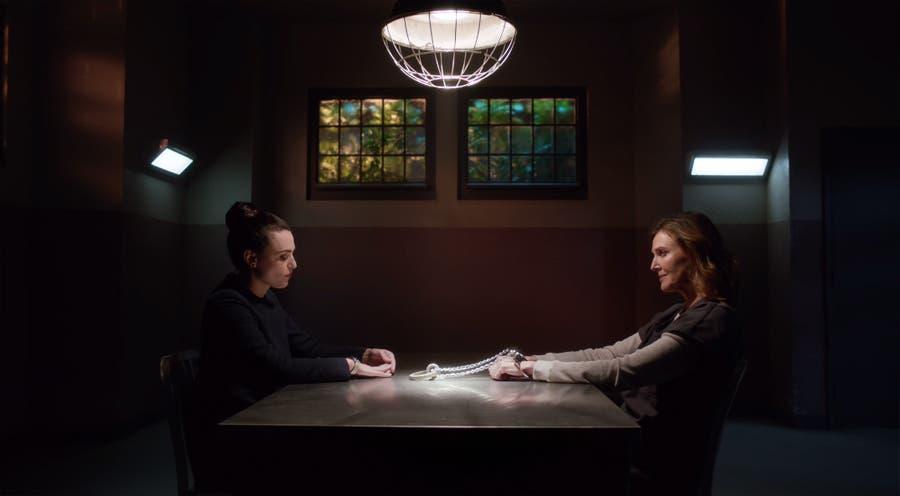Lena Luthor visita a su madre