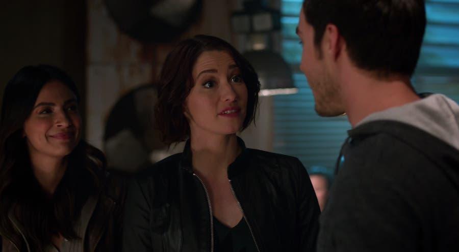 Alex y Maggie con Mon-El