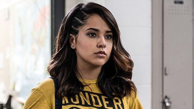 Power Ranger amarilla lesbiana Triny
