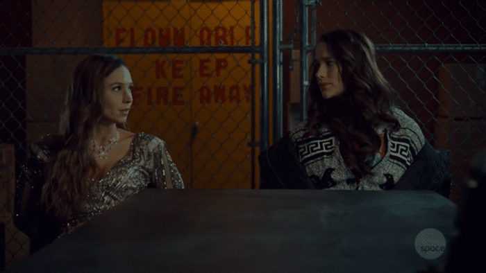 Wynonna Earp: Resumen de episodio 2×04 – Waverly y Nicole