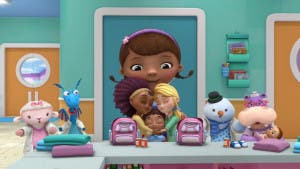 Doctora Juguetes muestra una familia de dos mamás en su último episodio