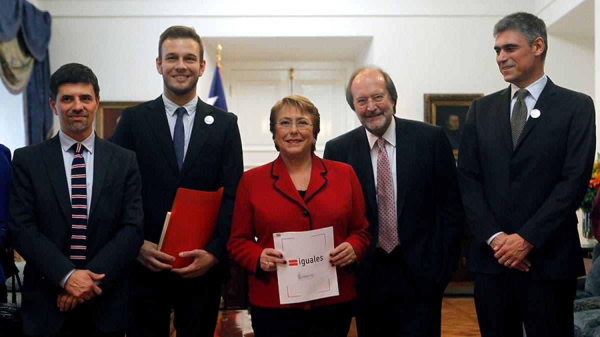 Chile da pasos hacia el matrimonio homosexual y otros derechos LGBT+