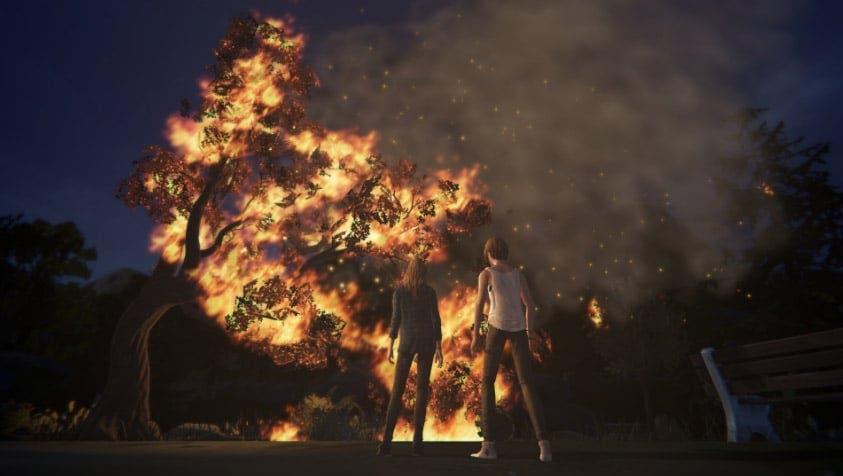 Chloe y Rachel mirando el incendio