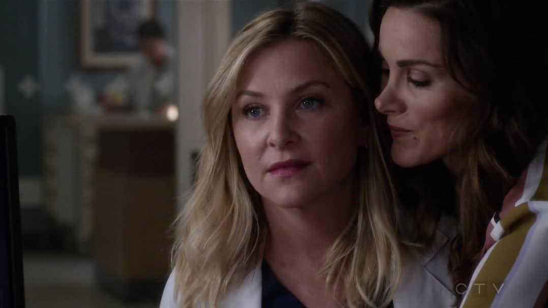Arizona y Carina resumen de episodio 14x01-02 - Anatomía de Grey ...