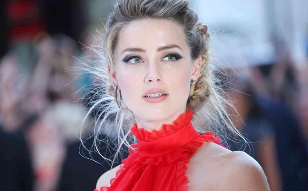 Amber Heard vestido rojo