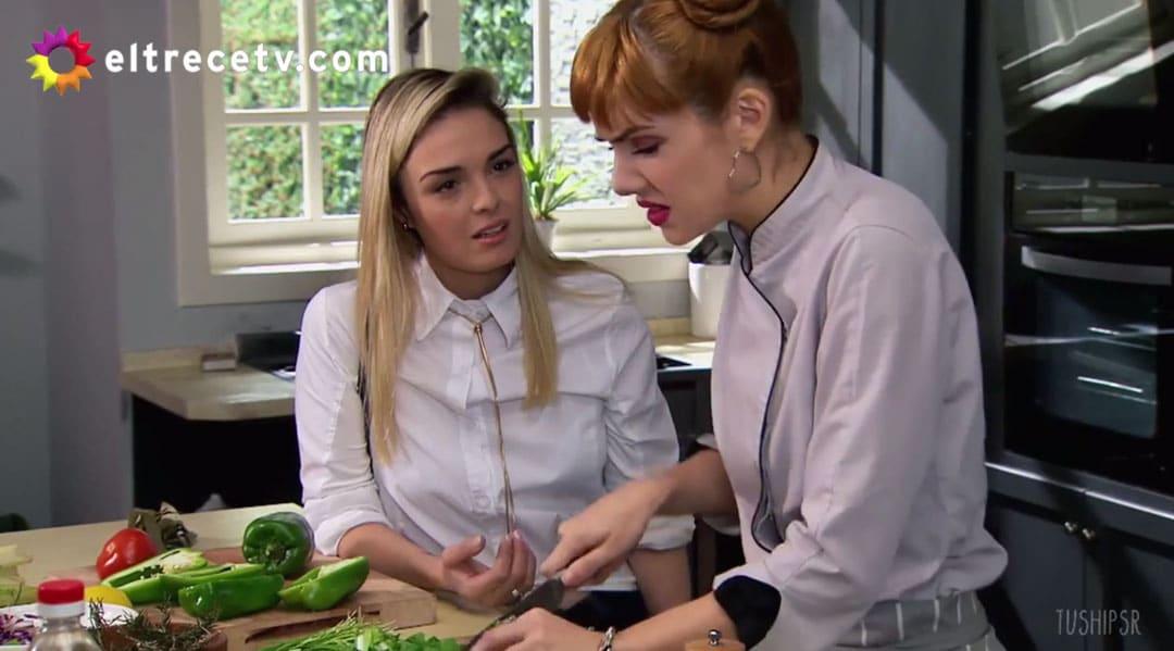 Elena y Jazmín discutiendo