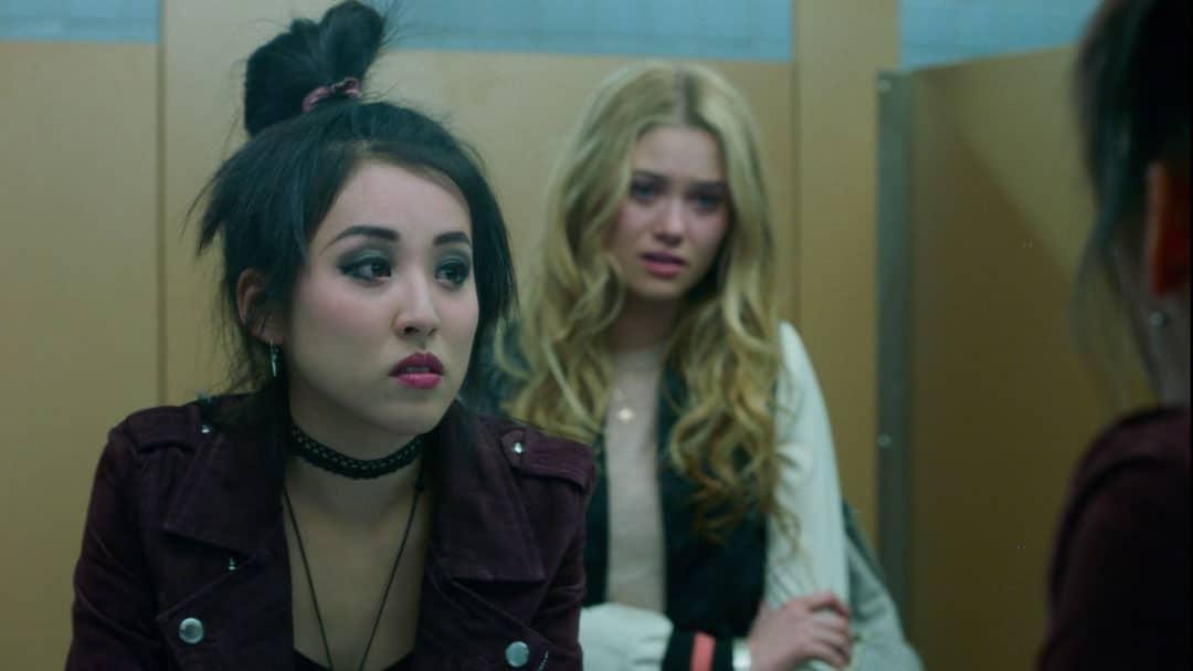 Runaways mini resumen de episodios 1-3 Karolina Dean