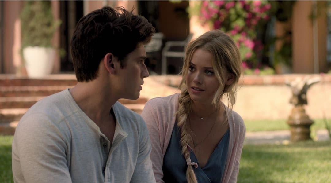 Chase y Karolina hablando