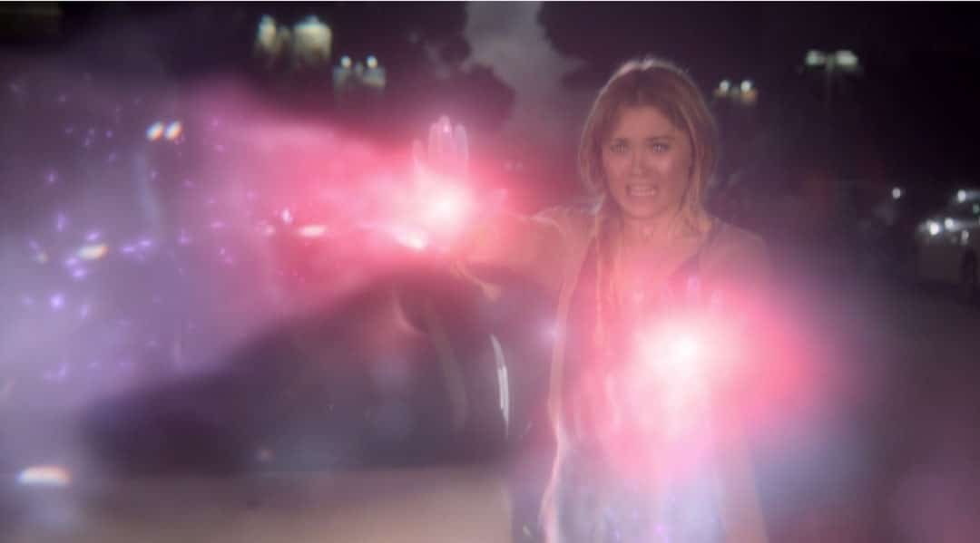 Karolina usa sus poderes