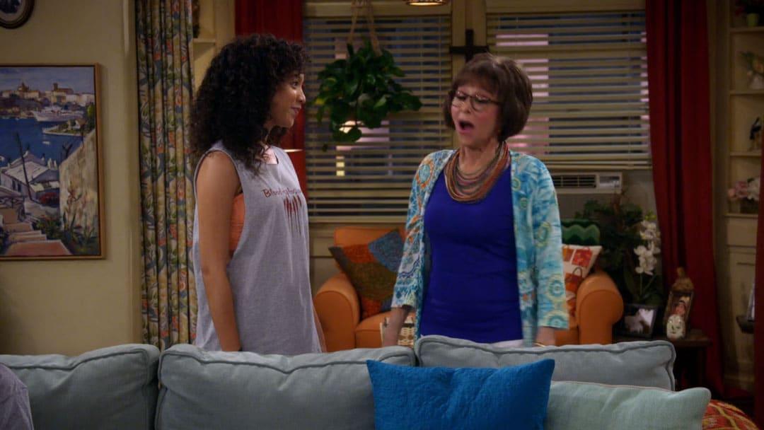Lydia ayuda a Elena a conseguir novia